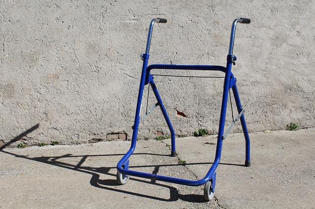 chodítko pro invalidu