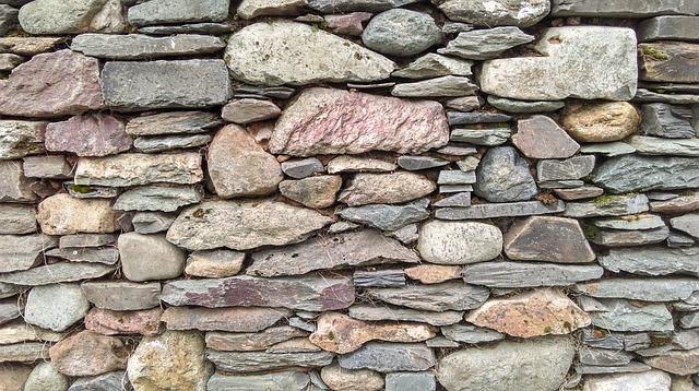 suchá kamenná zídka